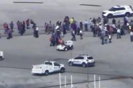 Πυροβολισμοί στο αεροδρόμιο της Φλόριντα – 5 νεκροί και 8 τραυματίες (pics-vids)
