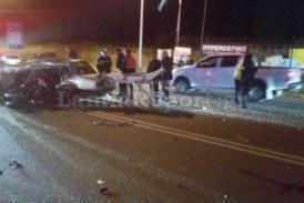 Σοκαριστικό τροχαίο στη Λαμία: Δύο νεκροί, «σμπαράλια» αυτοκίνητο και μηχανή (pics)