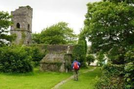 Στα πανέμορφα τοπία της Ιρλανδίας μας ταξιδεύει το «Happy Traveller»