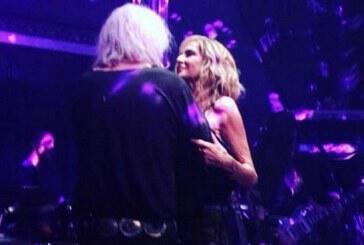 Άννα Βίσση – Νίκος Καρβέλας: Θυμήθηκαν τα παλιά on stage! (vid)