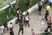 Άγρια επίθεση στον Γιάννη Μπουτάρη – Βρισιές και χτυπήματα από δεκάδες άτομα (pics-vid)
