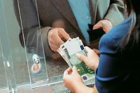 Συντάξεις: Μειώσεις ως και 350 ευρώ – Αναλυτικοί πίνακες με τα νέα ποσά